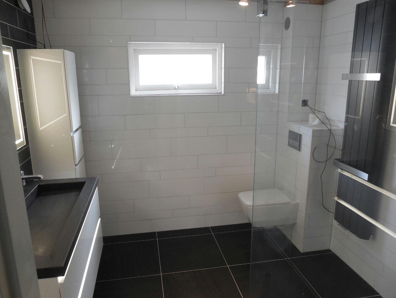 Luxe badkamer in Amstelveen - De Klussenier Ron Roelandts