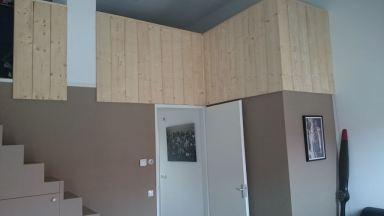 balustrade van ruw hout