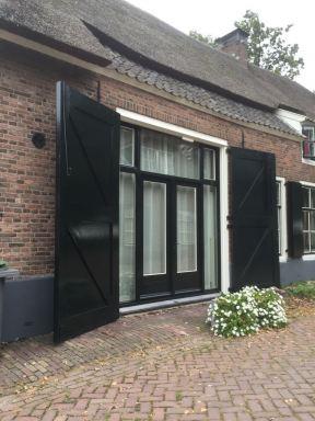 Renovatie oude staldeuren.