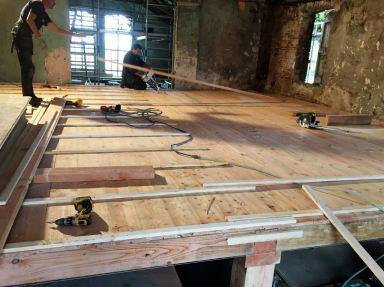 Verdiepingsvloer vernieuwd te Baak.