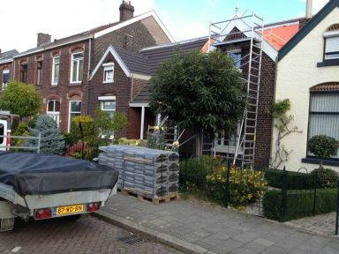 Pannendak woonhuis vernieuwd te Maastricht
