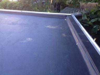 Nieuw EPDM dak gemaakt op een berging te Sittard