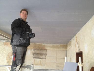 Verlaagd plafond maken in restaurant Kiko te Sittard.