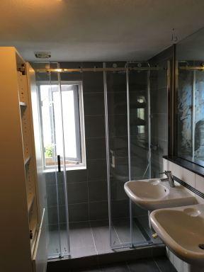Badkamer met schuifdeuren Gouda