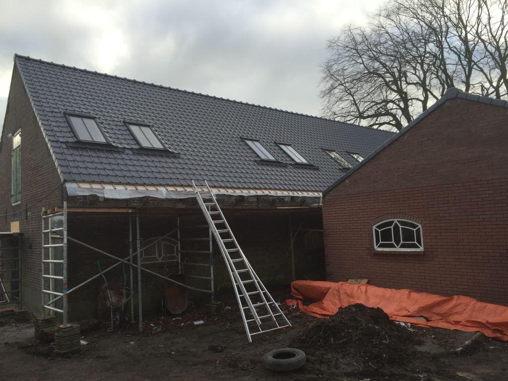 16 st nieuwe VELUX dakramen gemonteerd in een monumentale boerderij te Nootdorp