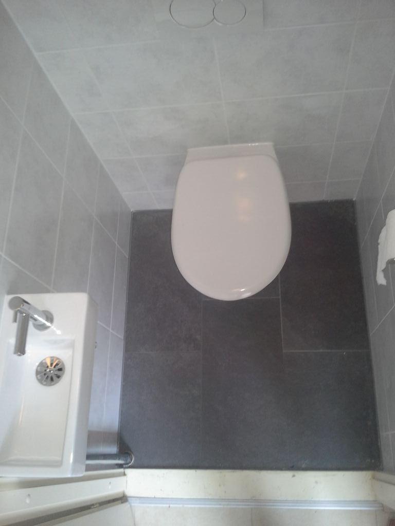 Toiletverbouwing Almere. Klussenier Robert Hollenberg