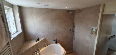 Badkamer verbouwing Almere Muziekwijk douche