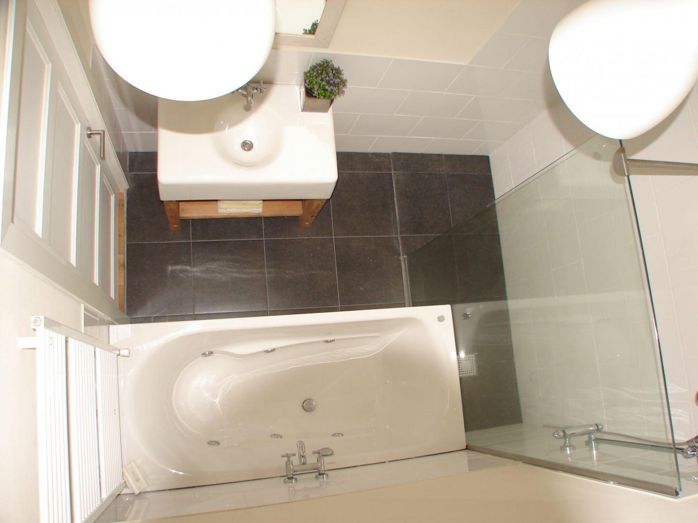 Badkamer Verbouwen Utrecht : Badkamer verbouwen utrecht de klussenier kay selderbeek