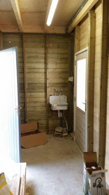 12m² Berging met diverse voorzieningen koud en warmwater, elektra en internet