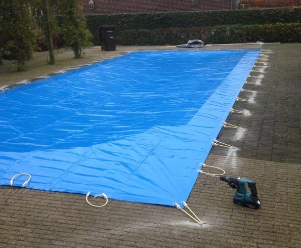 Zwembadzeil monteren