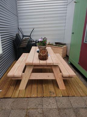 Nieuw picknik tafel