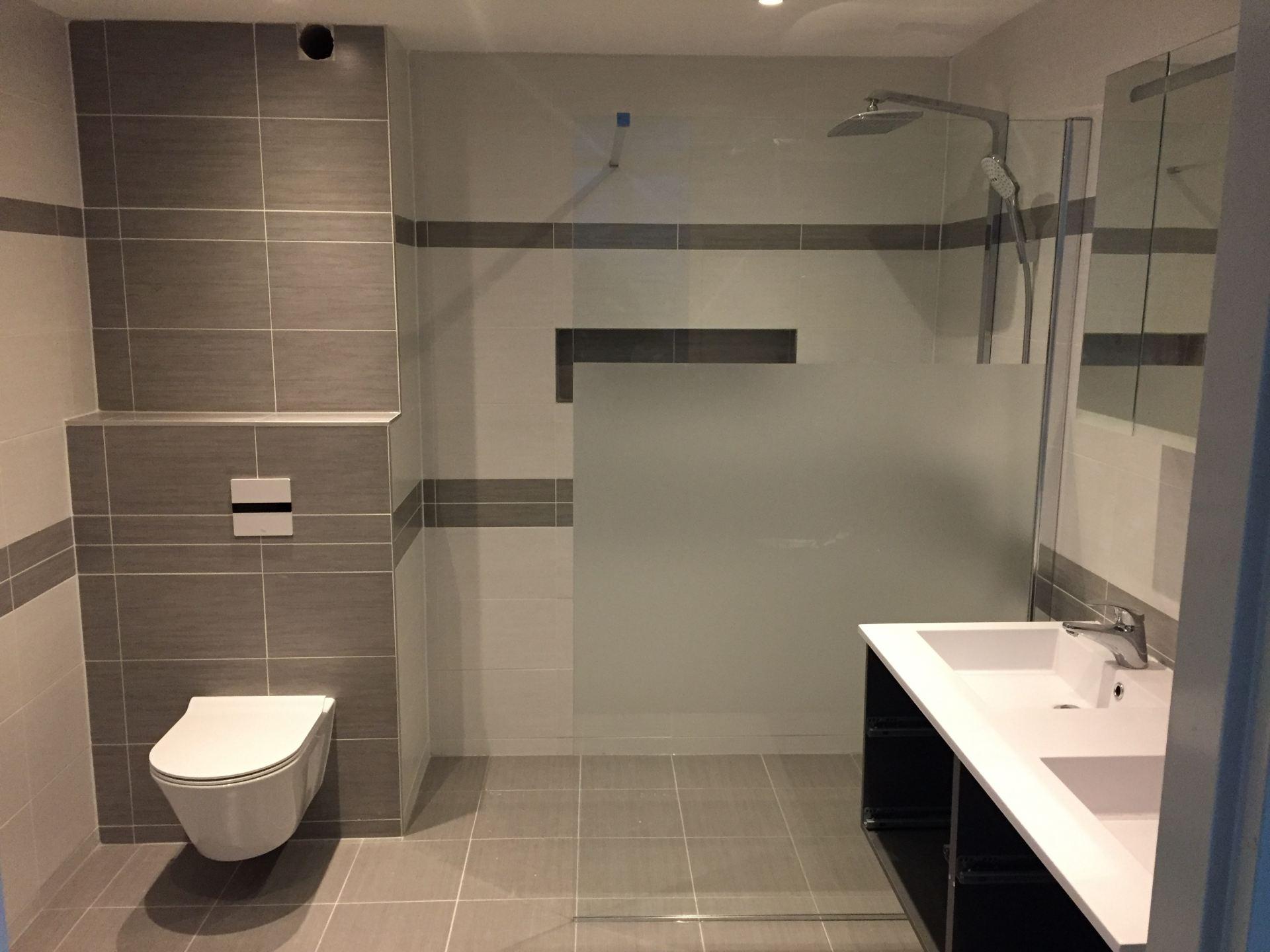 Badkamer Almere Buiten : Badkamer renovatie almere de klussenier andré tukker