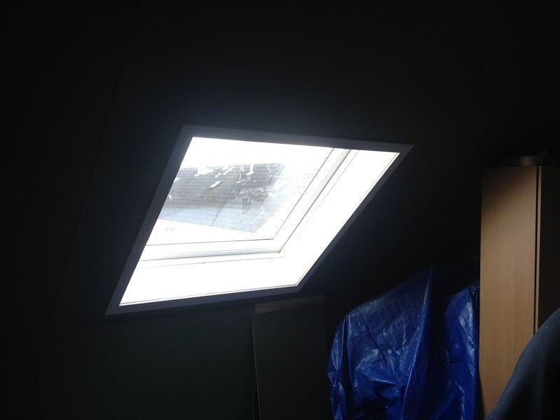 Dakvenster-Velux-geplaatst-zwartsluis