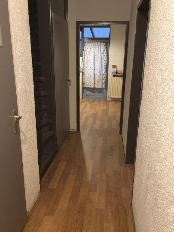 50 m2 Click Laminaat leggen in Geldrop doorlopend naar 3 vertrekken.