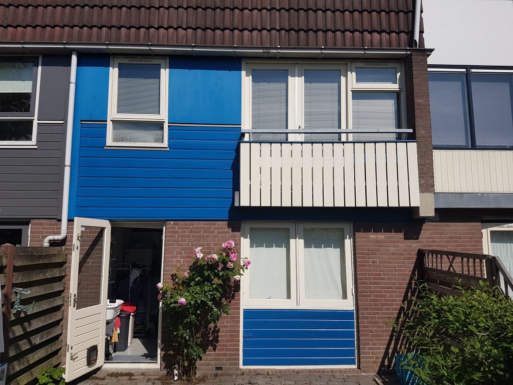 Renovatie achtergevel, verwijderen van frans balkon en houtwerk, Alkmaar
