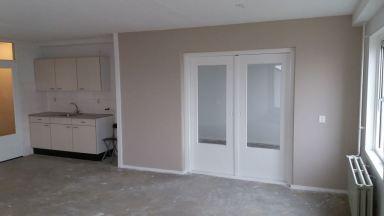 Wanden en plafond sauzen, kozijnen en deuren schilderen Almere