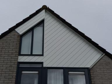 Keralit diagonaal geplaatst in Almere