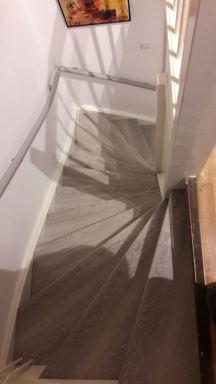 Dronten trap renovatie door er overzet treden op te zetten