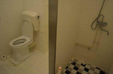 Badkamer in Almere zoals het er uitzag