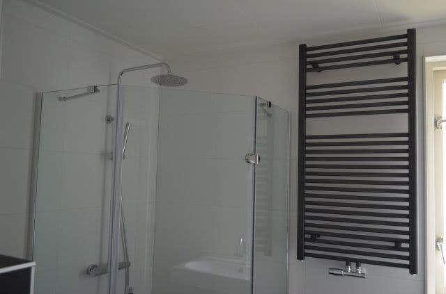 Badkamer vernieuwen in Almere - De Klussenier John van Gammeren