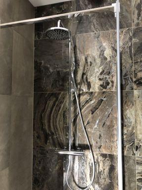 Nieuwe badkamer in woning Almere