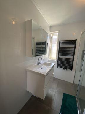 Toilet en badkamer renovatie Almere