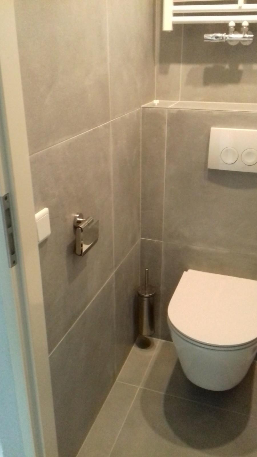 https://backend.klussenier.net/images/profiles/351357/document/16566-badkamer-en-toilet-renovatie-zwolle.jpg