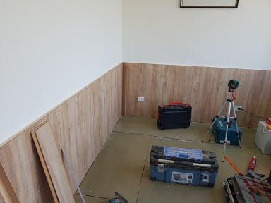 Lambrisering maken van laminaat in Ridderkerk