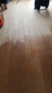 Houten vloer schuren en behandelen met skylt lak in Alblasserdam