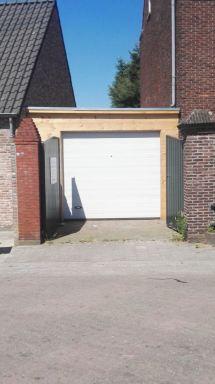 garagedeur en voorkant Baarle-Nassau