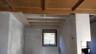 gelijk makend plafond voorzien chalet Baarle-Nassau