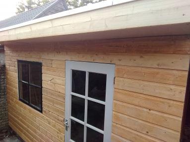 Nieuwe schuur hout met EPDM Breda (vooraanzicht)