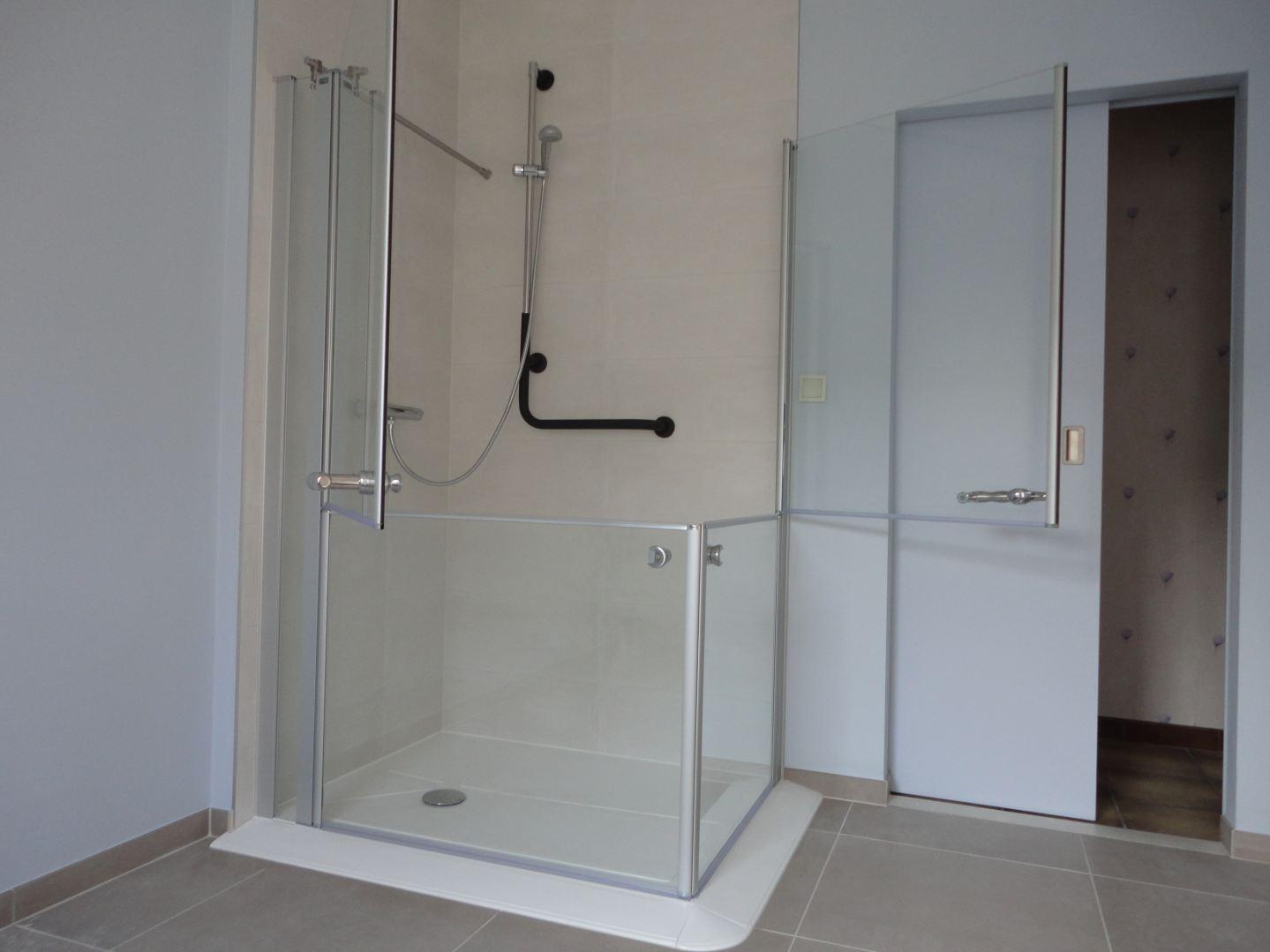 Badkamer Renoveren Aalst : Badkamer renovatie denderleeuw de klussenier tony slock