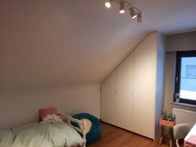 Velux raam plaatsen in Opwijk; kamer twee voor de werken