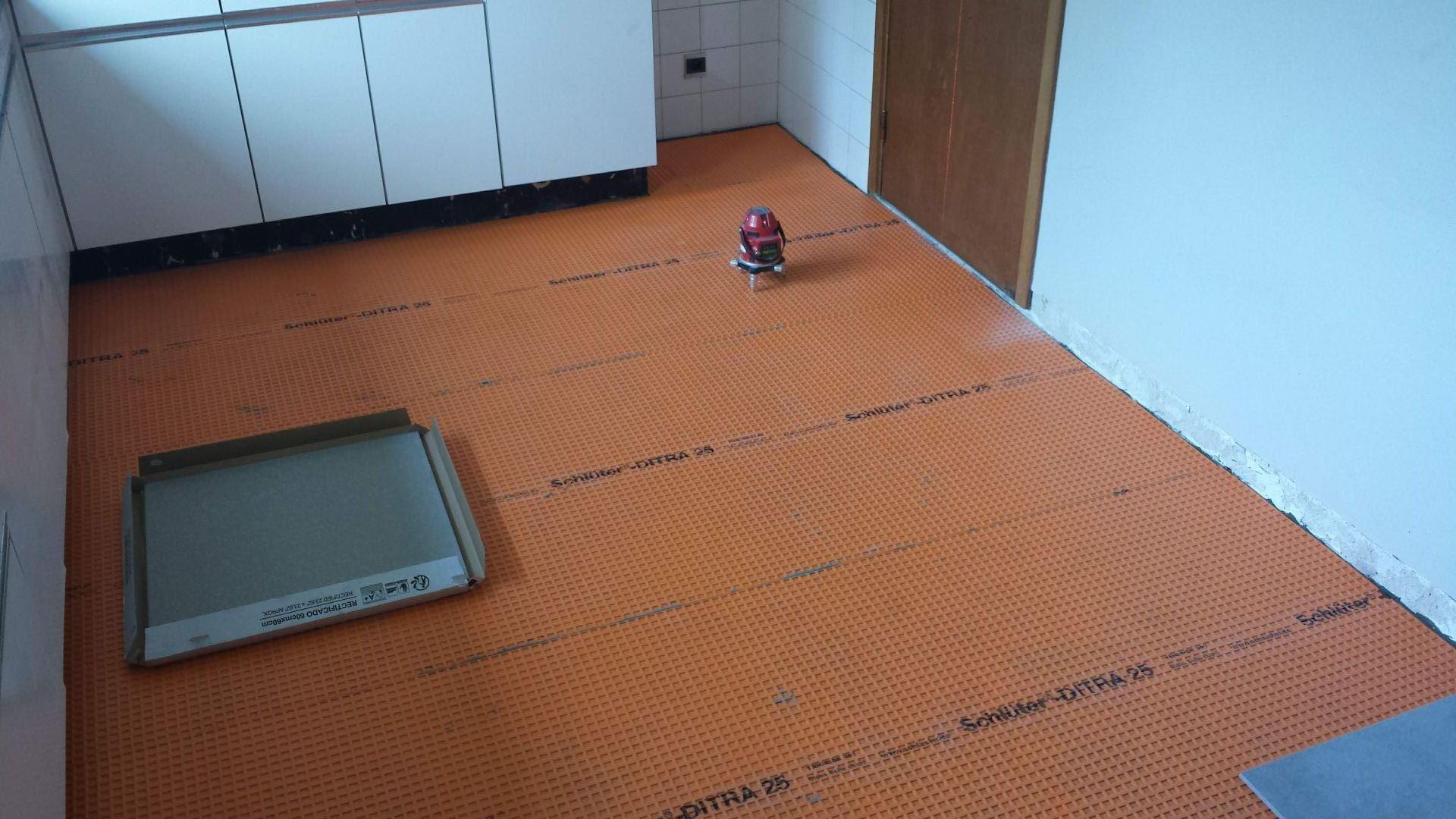 Vloer In Keuken : Vloer plaatsen in keuken te beveren. de klussenier frankie coppens