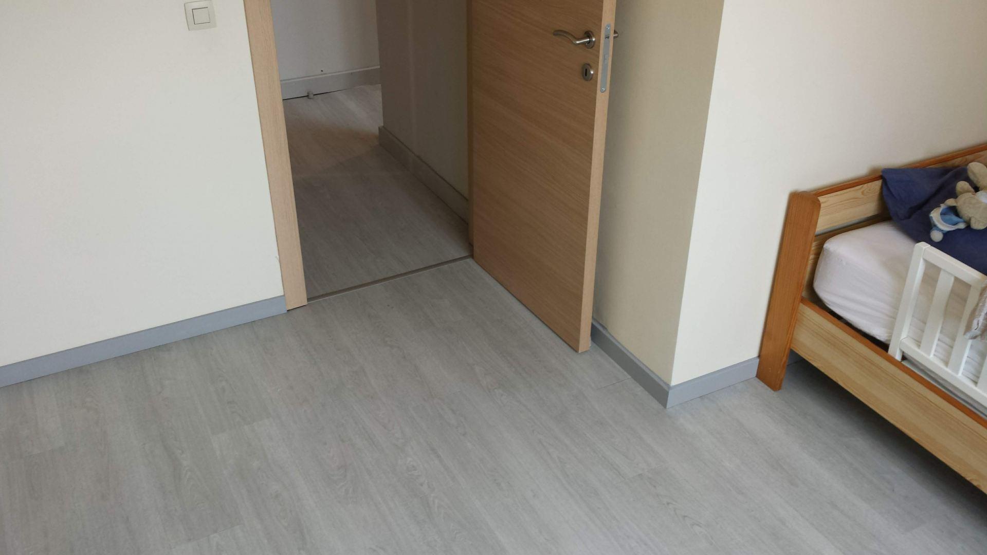 Een pvc vloer leggen dit zijn de gemiddelde kosten werkspot