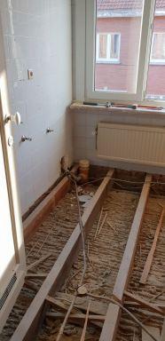 Uitbreken oude vloerplaat