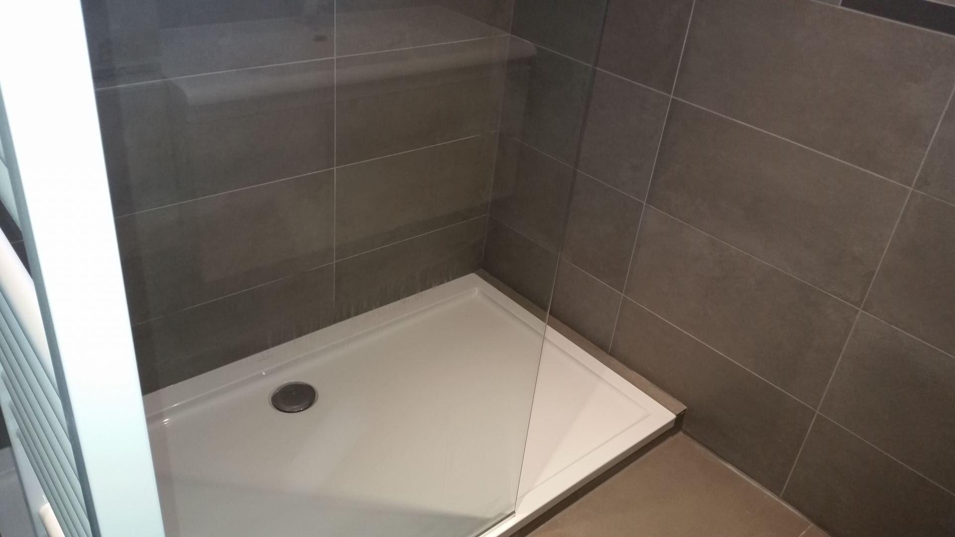 Renovatie Badkamer Dessel : Badkamer renovatie te kessel lo de klussenier filip vandenberghe