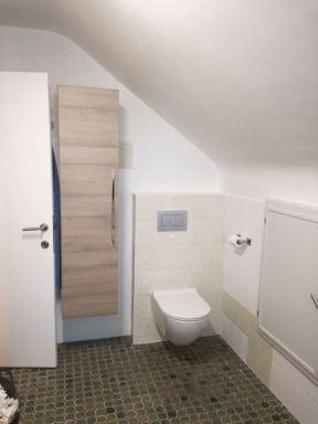 Oude toilet vervangen voor een nieuw hangtoilet en de meubeltjes ineens ook vervangen in Heverlee