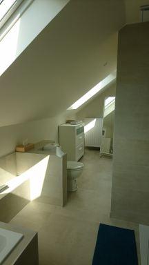 Badkamer zolderrenovatie Eizer-Overijse