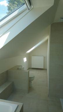 Renovatie van zolder-ruimte in 2 kamers en 1 badkamer