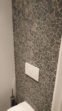 Tegelwerken en plaatsen van Hang-WC in Overijse