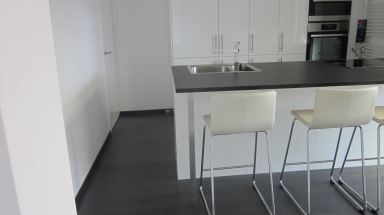Na renovatie salon en eetkamer