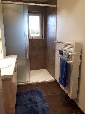 Renovatie afgewerkte badkamer
