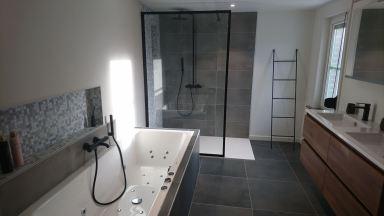 Inrichten van een nieuwe badkamer in Overijse