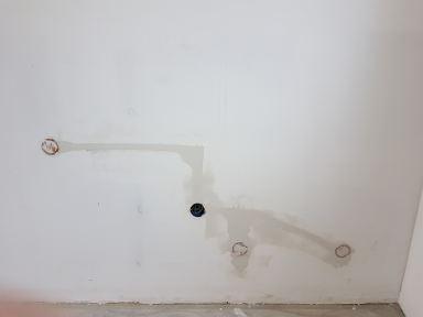 Aanpassen leidingwerk t.b.v. nieuwe keuken inbouwdozen geplaatst, electradraad getrokken en aangesmeerd.