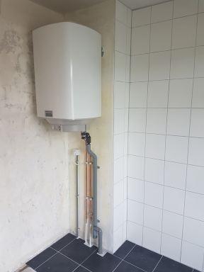 Extra inloopdouche met elektrische boiler op slaapkamer in  Best elektrische boiler eindresultaat
