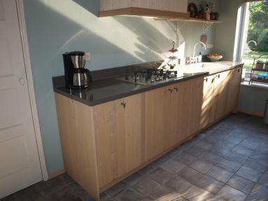 Nieuwe keuken geleverd en geplaatst.