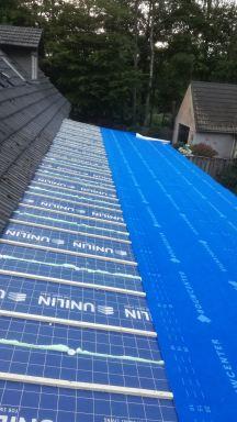geisoleerde dakplaten  op de aanbouw Nuenen