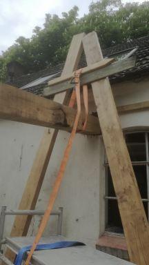 oude balk voor stoere uitstraling in aanbouw Nuenen